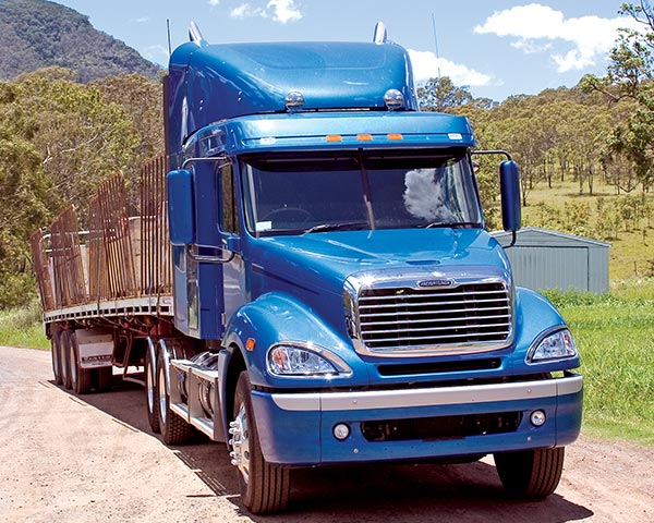 Freightliner -Columbia -C112-and -CL120-truck -review ,-ATN3
